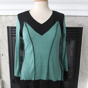 Pretty Angel Teal Green & Black knit V neck top M